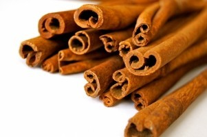 cinnamon-sticks-on-white-background